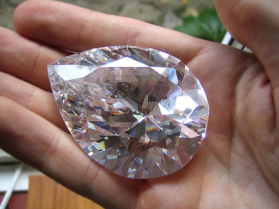 A close-up of the Cullinan I Diamond on a hand