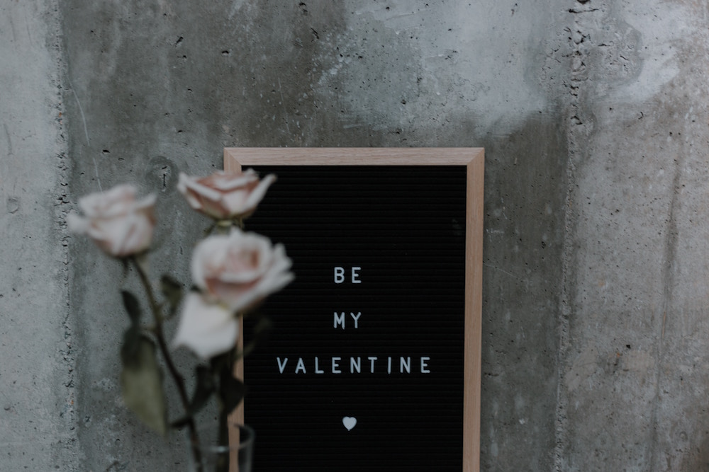 Pink-Roses-Letter-Board-Be-My-Valentine